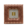 Aranyszállal díszitett tüdő színű plüss, kisebb méretű asztali képkeret