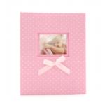 Kép 1/3 - Közepes méretű, rózsaszín fehér pöttyös fotóalbum cserélhető képpel a borítóján, rózsaszín masnival
