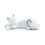Kép 1/3 - Kisméretű fehér fekvő cica ezüst fülekkel és farokkal