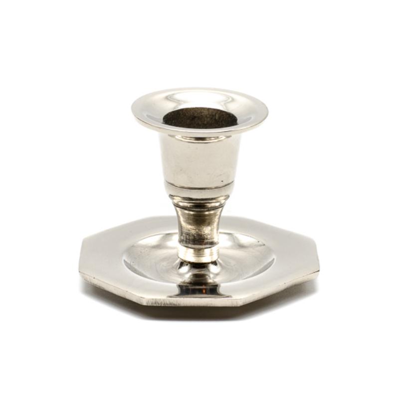 Kicsi ezüst színű fém gyertyatartó nyolcszögletes talpon