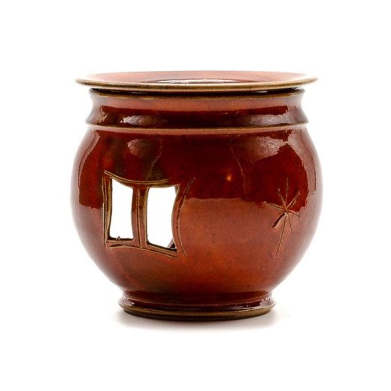 Bordó színű gömbölyű aromalámpa levehető tányérral