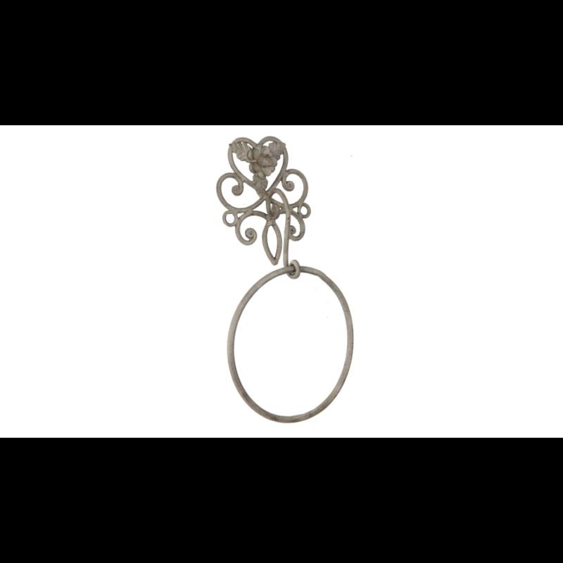 Karikás fém törölközőtartó kovácsoltvas rózsával díszítve