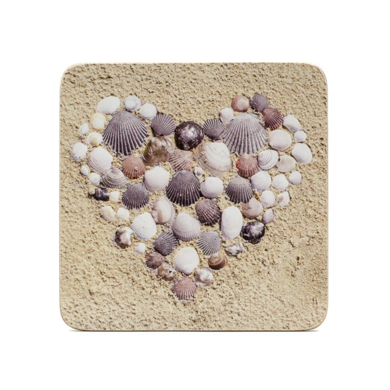 4 db-os poháralátét szett, kagylóbók kirakott szívek.