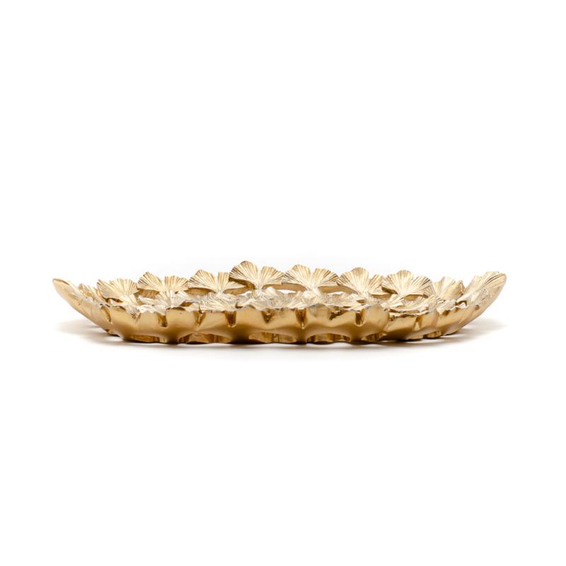 Aranyozott dísztál kis ginkgo levelekből