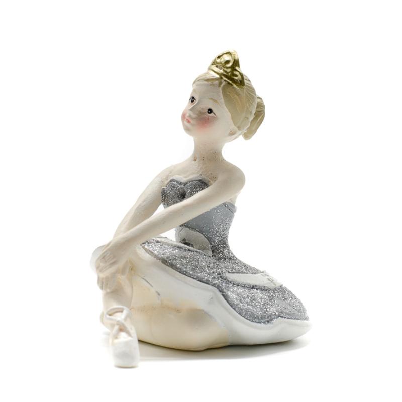 Előre nyúló balerina