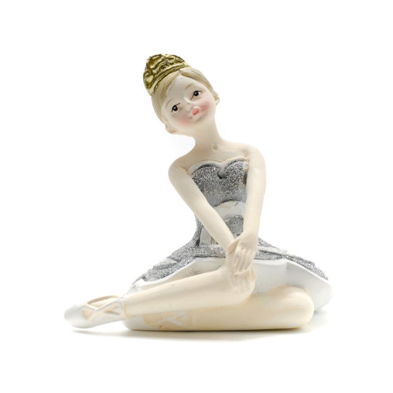 Térdét érintő balerina