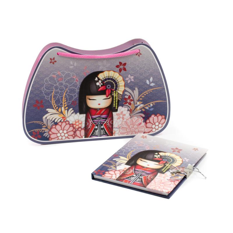 Karton táska naplóval, japán kislánnyal és virágokkal dekorálva