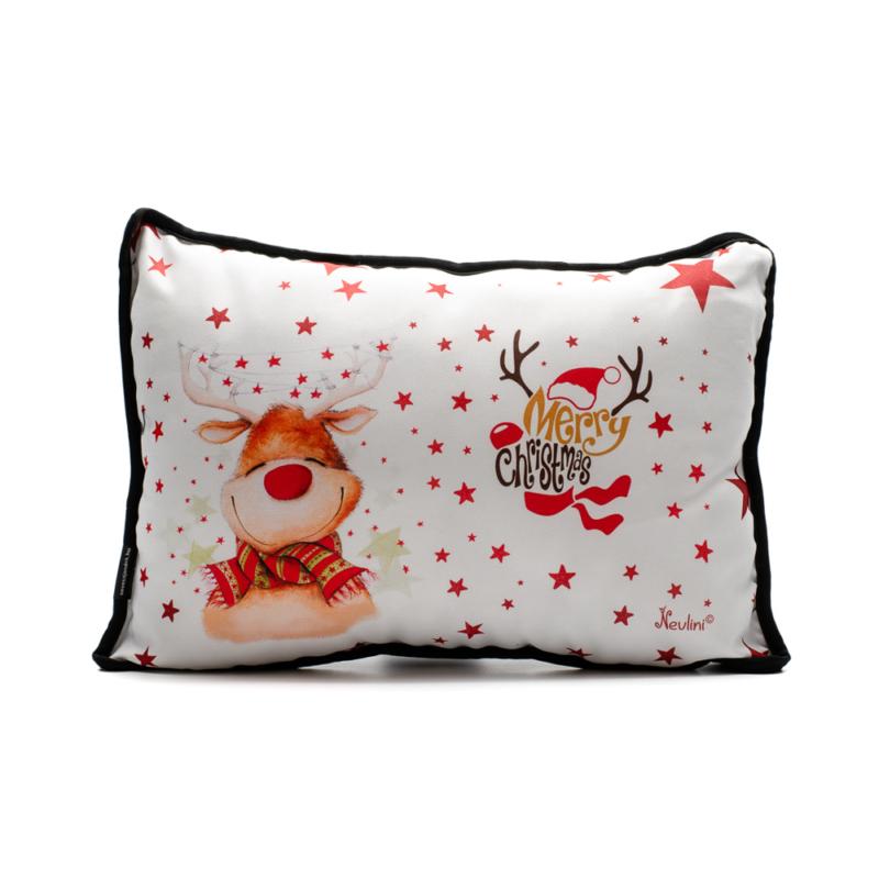 Fehér piros csillagos karácsonyi díszpárna kedves és vicces rénszarvassal